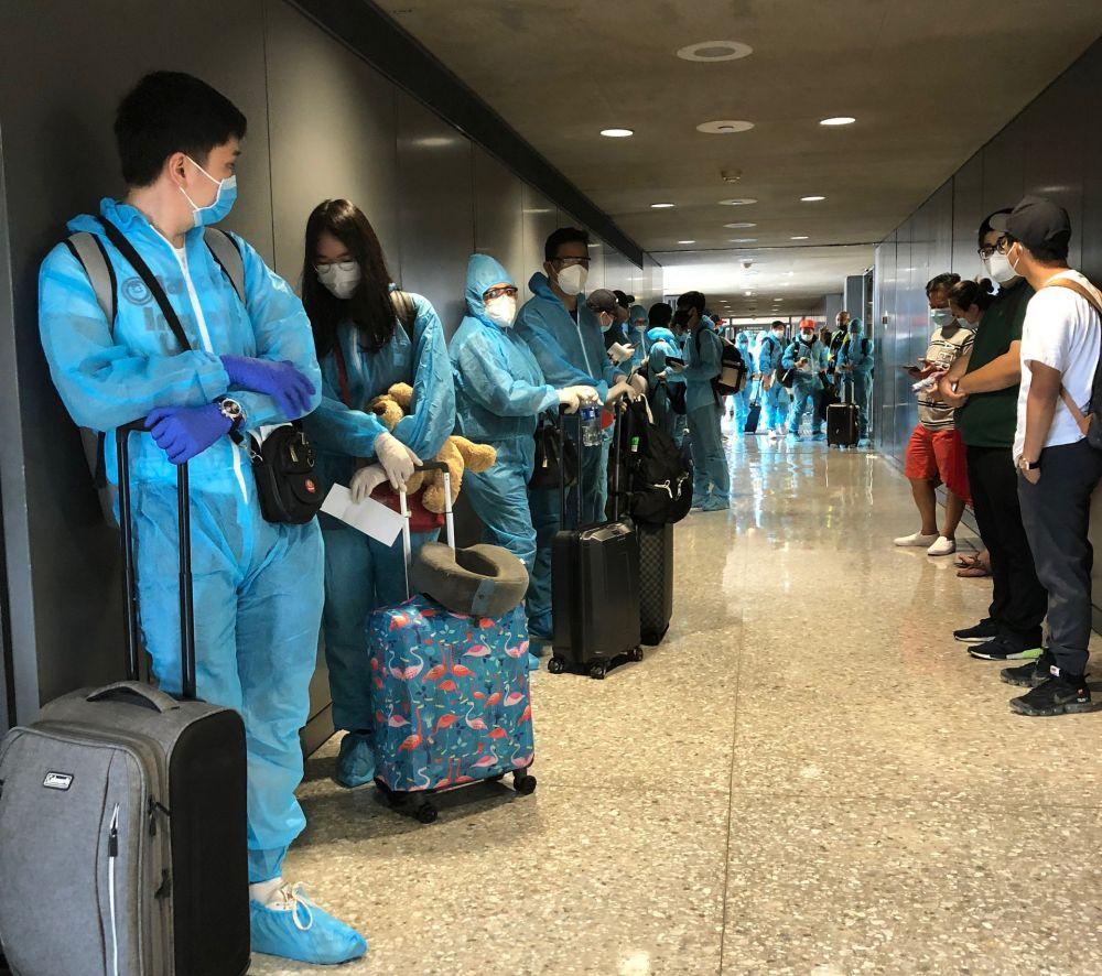 Hành khách trên chuyến bay giải cứu.