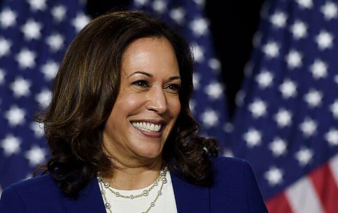 Thượng nghị sĩ Kamala Harris, niềm hy vọng của ứng cử viên tổng thống Joe Biden và các cử tri Dân chủ - Ảnh: AFP
