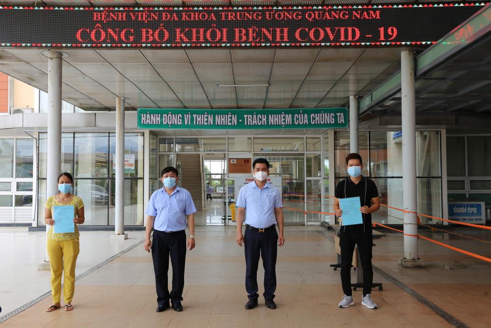 Hai bệnh nhân 716, 719 đã được xuất viện sau 3 lần xét nghiệm âm tính với COVID- 19