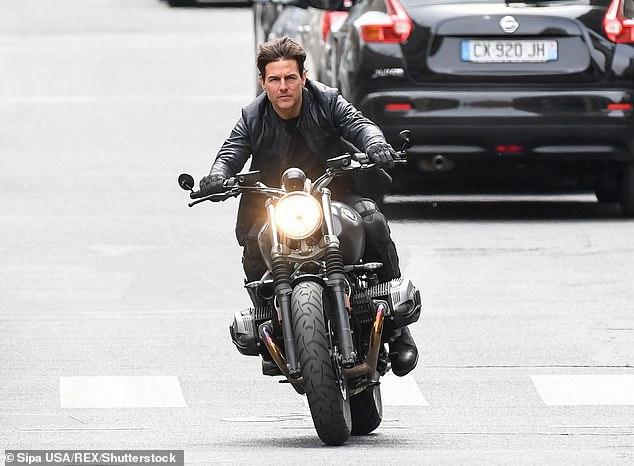 Khi xảy ra tai nạn, Tom Cruise không có mặt ở phim trường.