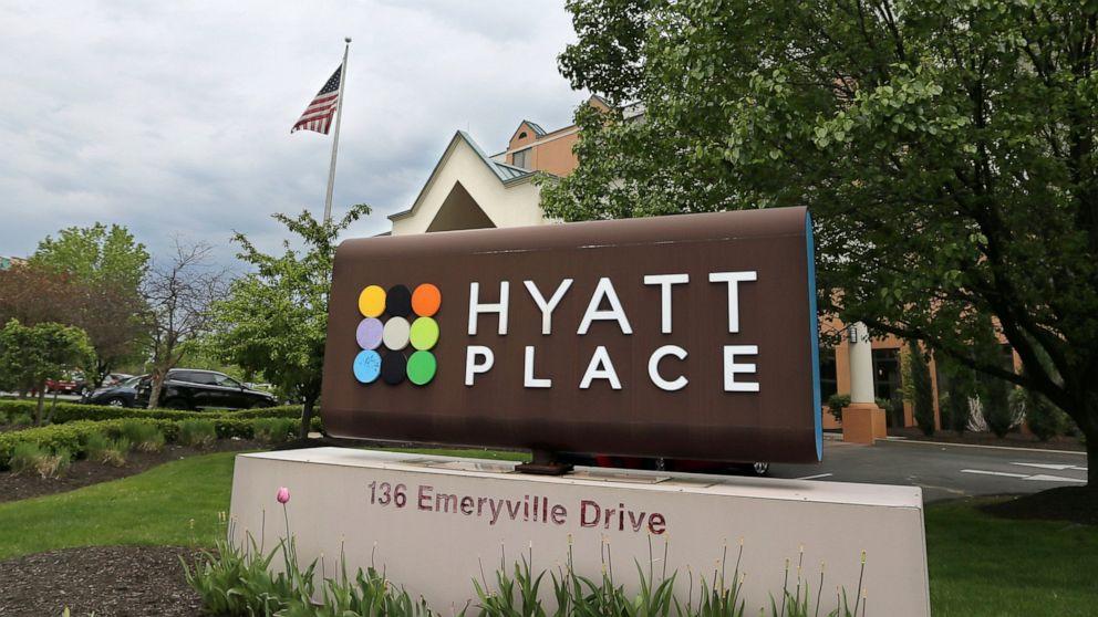 Hệ thống khách sạn nội địa của Mỹ ráo riết chuẩn bị để đối phó với làn sóng COVID-19 thứ hai vào mùa thu này, khi công suất sử dụng phòng tiếp tục suy giảm - Ảnh: AP