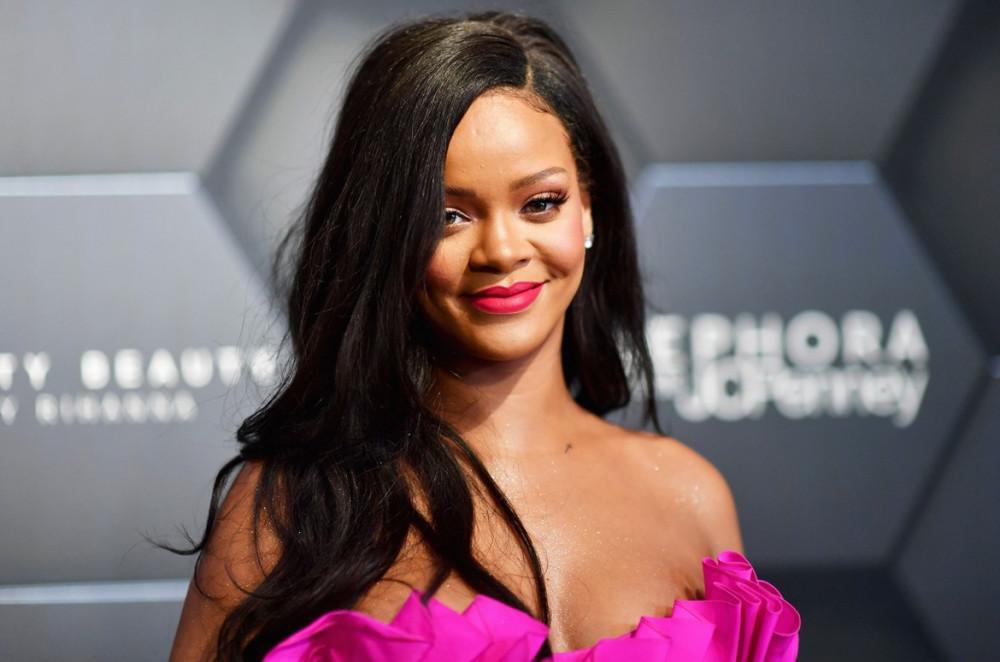 Rihanna thành công từ lĩnh vực ca hát cho tới kinh doanh.