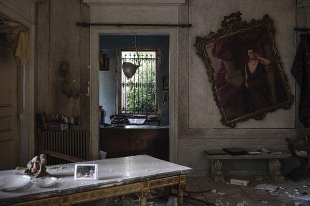 Cung điện Sursock 150 năm tuổi hư hại nặng nề