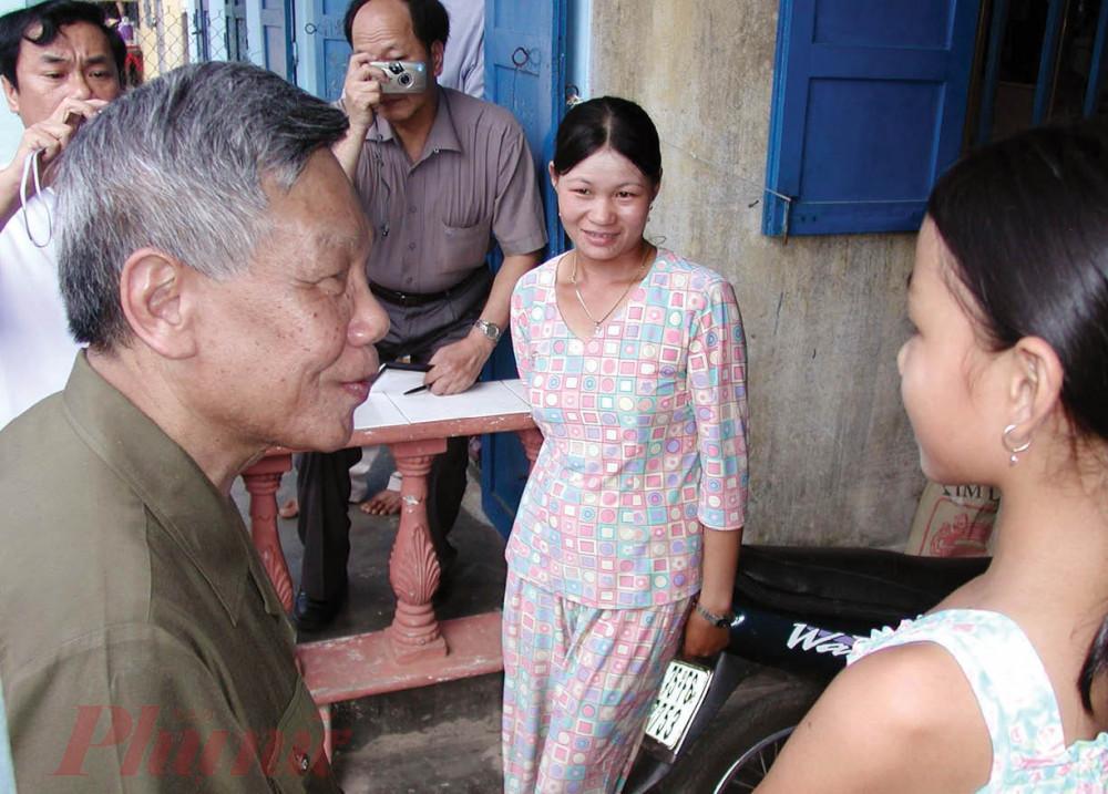 Nhiều năm sau đó, khi đương chức hay đã nghỉ hưu, đồng chí Lê Khả Phiêu không quên tranh thủ về thăm người dân nơi đây
