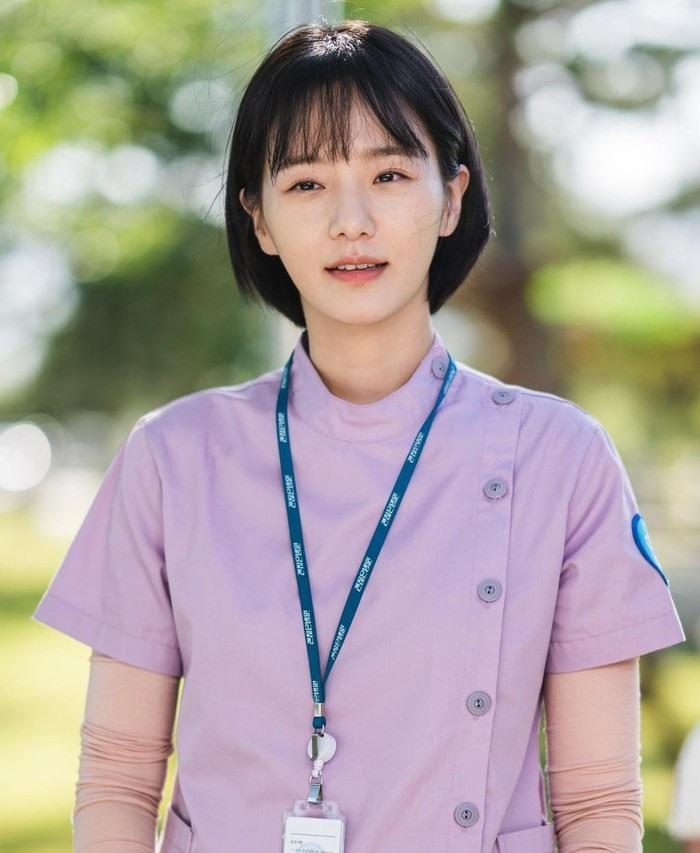 Park Gyu Young được công chúng biết đến rộng rãi nhờ Điên thì có sao.