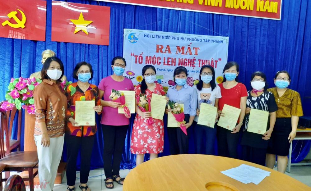 Hội LHPN phường Tây Thạnh, quận Tân Phú ra mắt Tổ liên kết ngành nghề móc len nghệ thuật