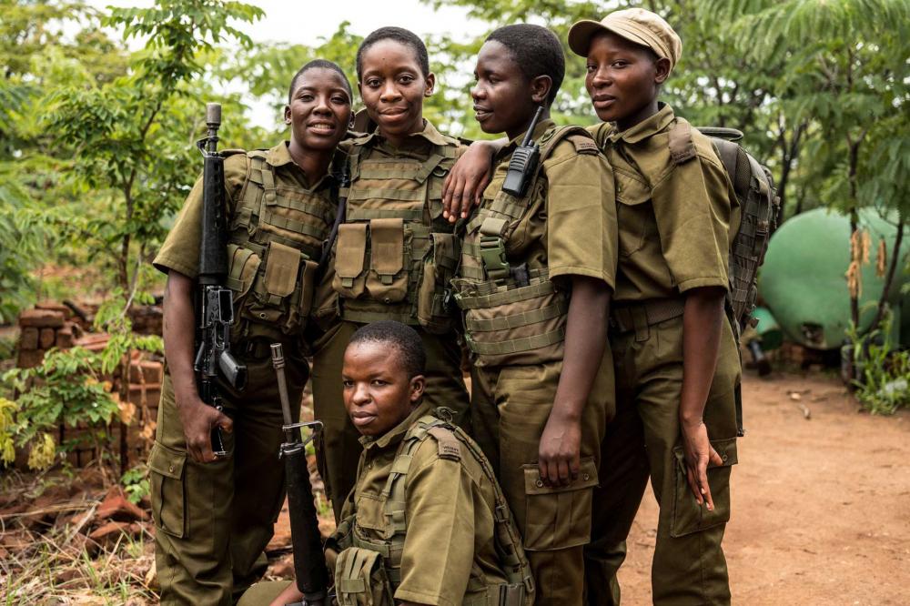 Đội quân chống săn bắt trộm động vật hoang dã ở Zimbabwe là những cô gái được tuyển mộ kỹ càng từ khắp đất nước - Ảnh: Timbuktu Travel