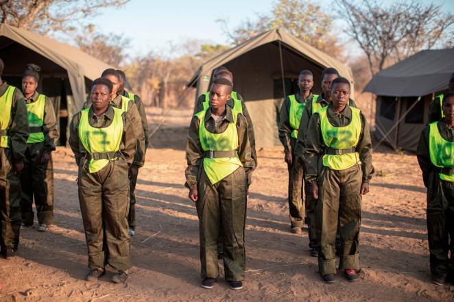 Tân binh trải qua quá trình tuyển chọn để tham gia chương trình huấn luyện Kiểm lâm Akashinga tại Trại chính của dự án Akashinga ở Phundundu, Zimbabwe - Ảnh: Getty Images