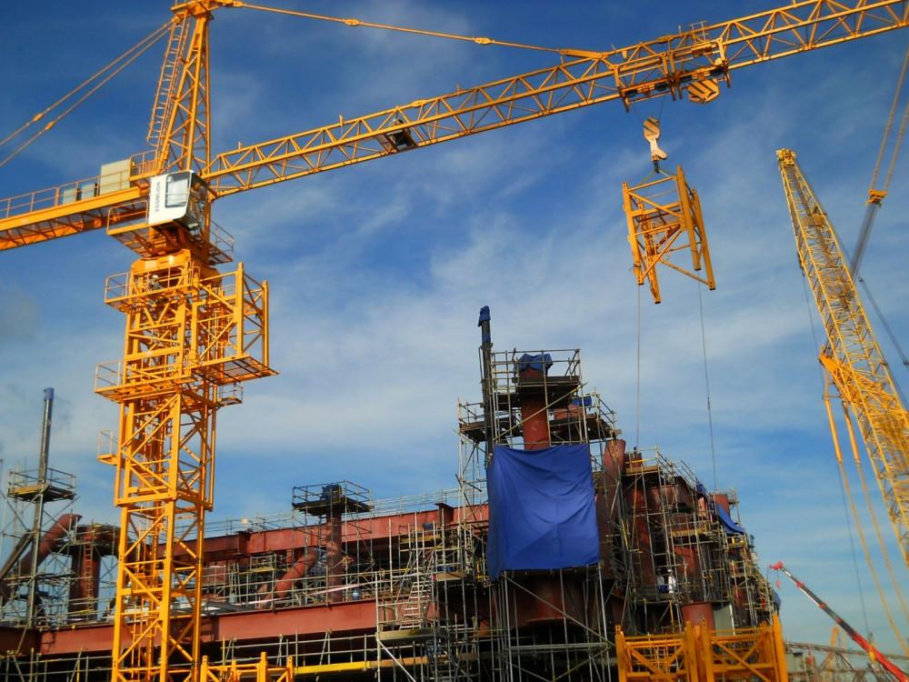 Cần trục tháp được sử dụng phổ biến tại công trình lớn hiện nay. Ảnh: internet