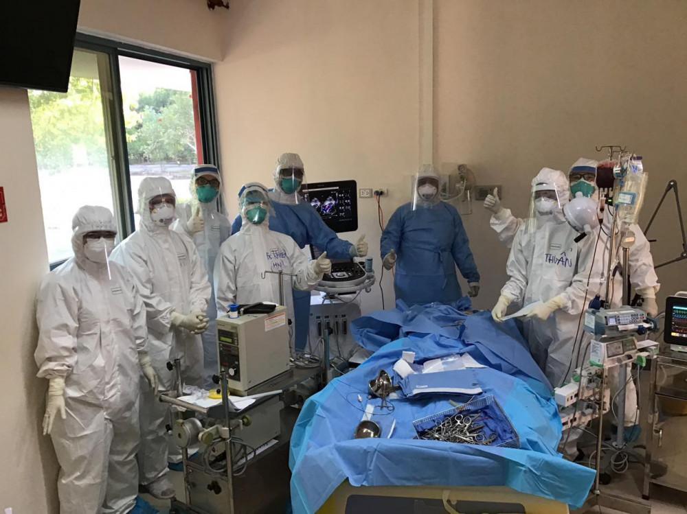 Niề vui của của đội ngũ Y bác sỹ, Bệnh viện T.Ư Huế cơ sở 2 khi có thêm nhiều bệnh nhân được chữa lành bệnh