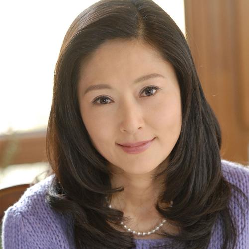 Trương Ngọc Yến từng tuyên bố giải nghệ năm 2011, nhưng sau đó quay lại đóng phim vì mẹ