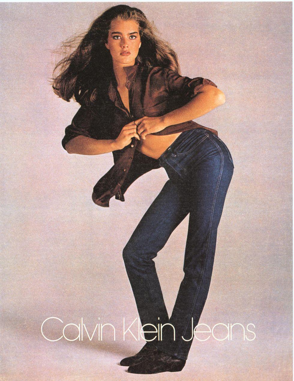 Brooke Shields, 1980 Một cậu bé 15 tuổi Brooke Shields tầm thường đang tạo dáng trong một quảng cáo quần jean của Calvin Klein, được chụp bởi nhiếp ảnh gia Richard Avedon. Chiến dịch đã đưa Brooke lên bản đồ.