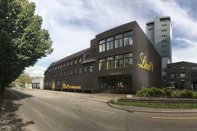 Sự cố thông gió tại nhà máy sản xuất chocolate của hãng Lindt khiến bột ca cao phát tán vào không khí.
