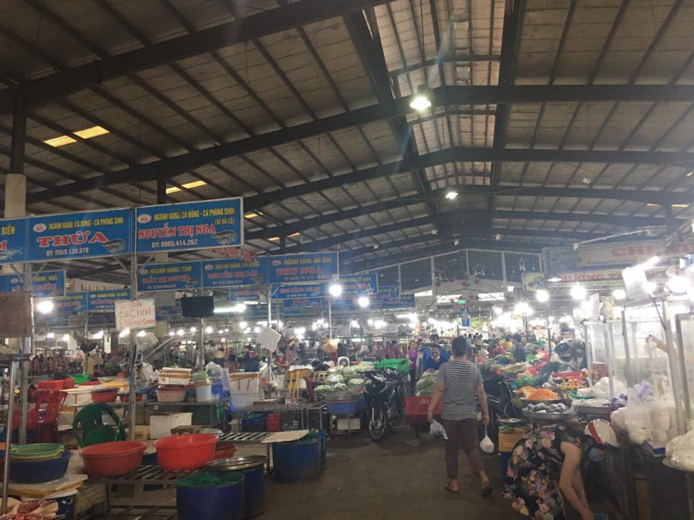 Đà Nẵng đã thông báo cho Quảng Nam 5 trường hợp liên quan đến tiểu thương chợ đầu mối Hòa Cường mắc COVID-19