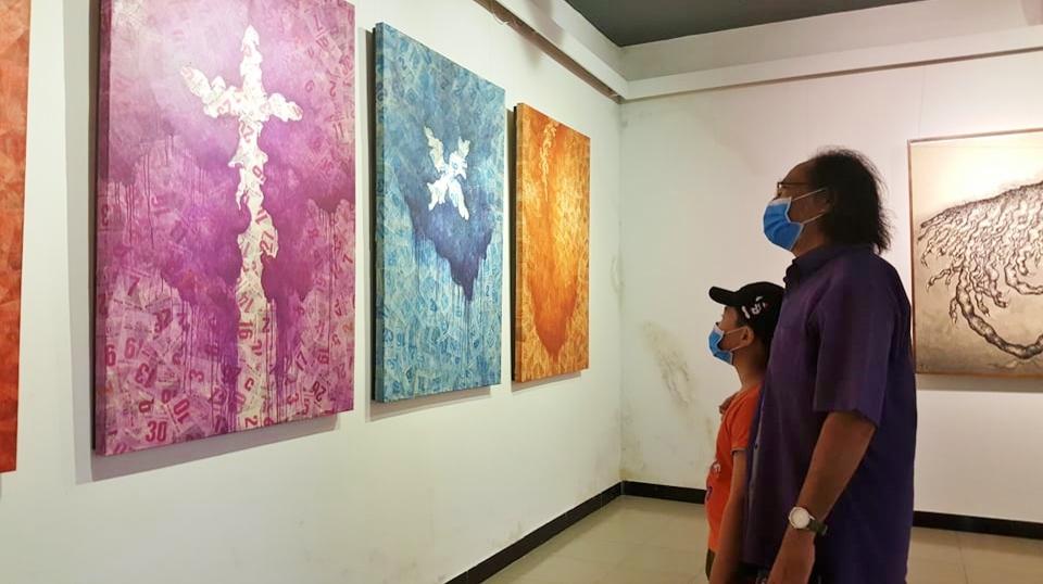Khán giả đến xem triển lãm phải đeo khẩu trang, thực hiện nghiêm các quy định phòng, chống dịch