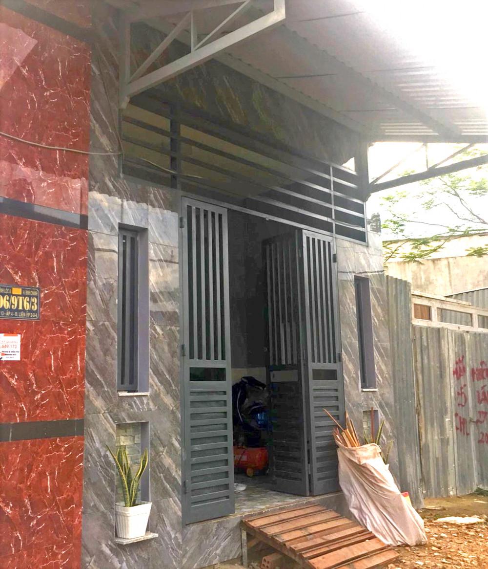 UBND xã Vĩnh Lộc A cho biết, đã ban hành quyết định xử phạt hình chính đối với người tổ chức xây nhà không phép trên đất của người khác