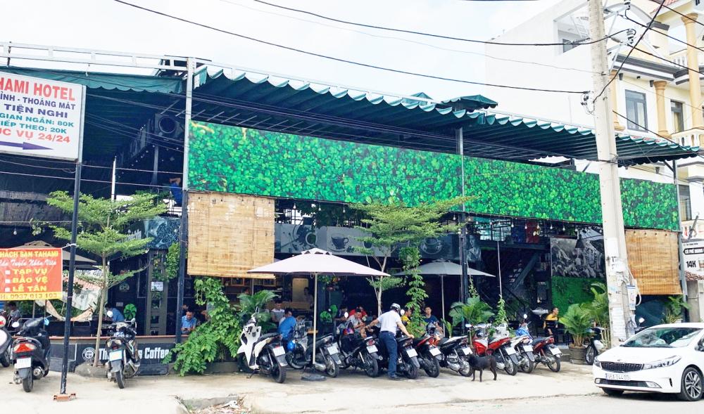 Quán cà phê xây dựng trên đất của ban quản lý khu phố
