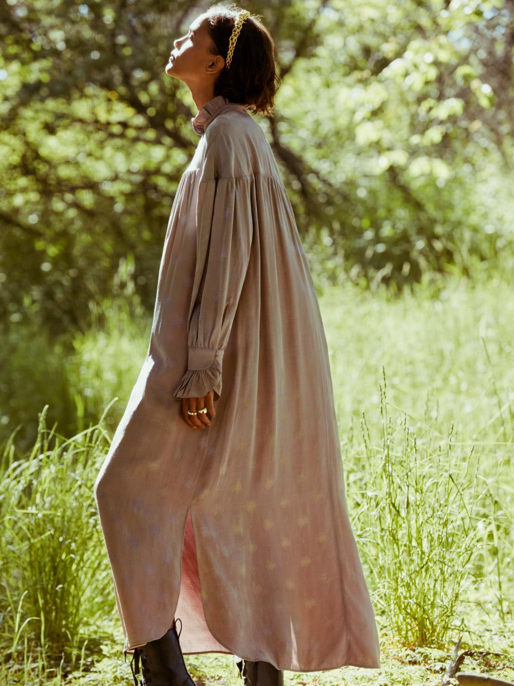 """Thông qua bộ sưu tập Fleur du Soleil, tôi muốn truyền tải một thông điệp về hy vọng đên với phụ nữ trên toàn thế giới, đây cũng là điều mà chúng ta thực sự cần vào lúc này"""" - Sandra Mansour"""