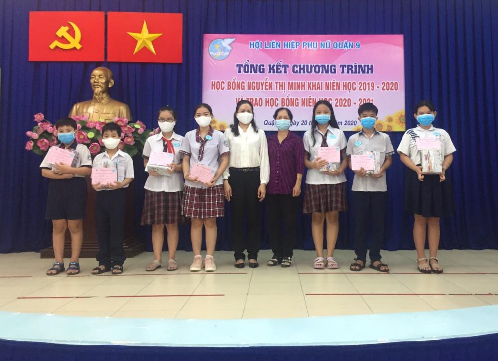 Năm học này, Hội LHPN quận 9 trao 35 suất học bổng Nguyễn Thị Minh Khai với tổng trị giá 73 triệu đồng nhằm tiếp sức học sinh, sinh viên khó khăn.