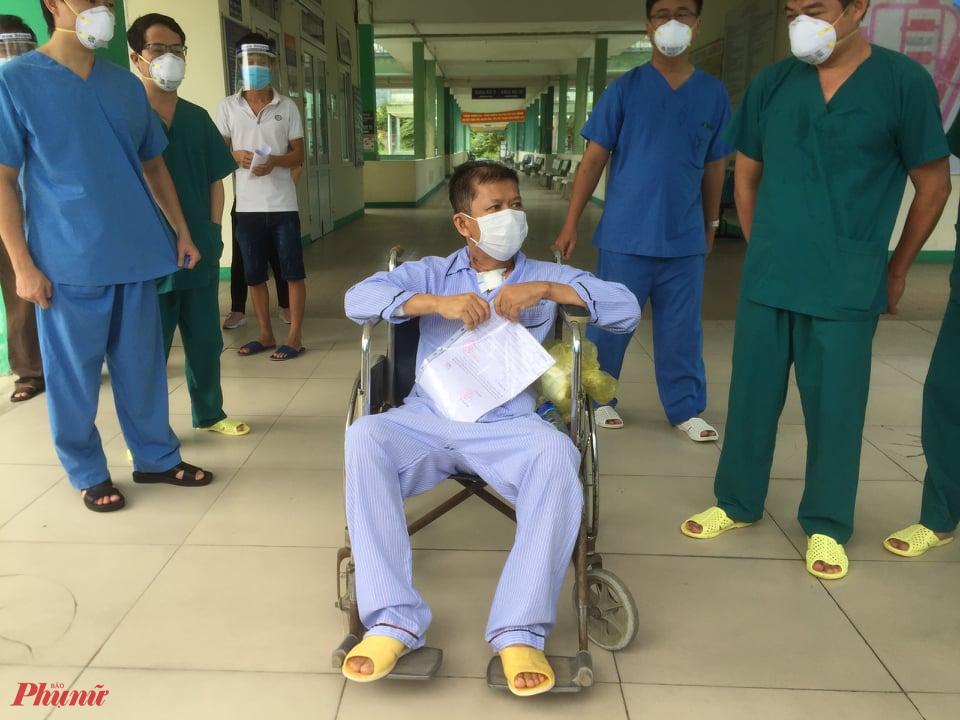 Bệnh nhân 582 đã được chữa khỏi COVID-19 và các bệnh nền khác