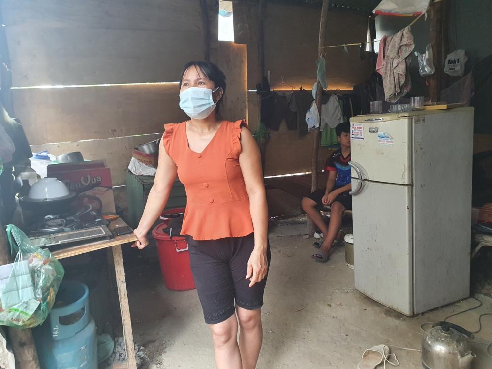 Chị Phan Thị Xoan lo không về kịp ngày con nhập học
