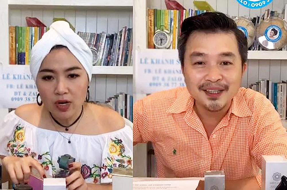 Diễn viên Lê Khánh cùng ông xã đang tư vấn cho khách hàng