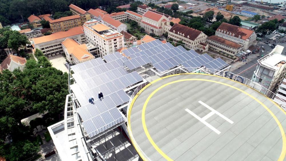 Vừa có điện để sử dụng, vừa có điện để bán đã cho thấy hiệu quả tích cực của việc đầu tư điện mặt trời mái nhà