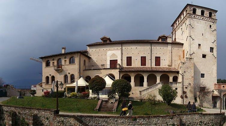 Lâu đài vùng Asolo nơi nữ hoàng Caterina tá túc sau khi bị phế truất - Ảnh: Wikimedia Commons