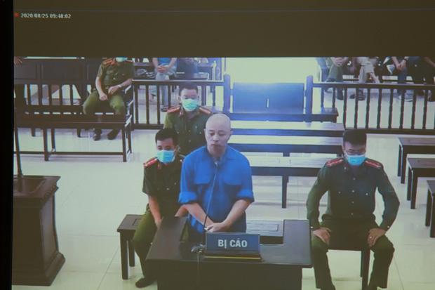 Đường Nhuệ khai báo trước tòa.