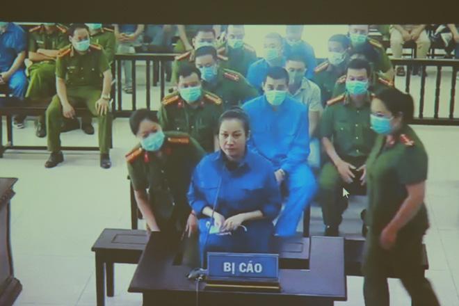 Bị cáo Nguyễn Thị Dương lần đầu hầu tòa.