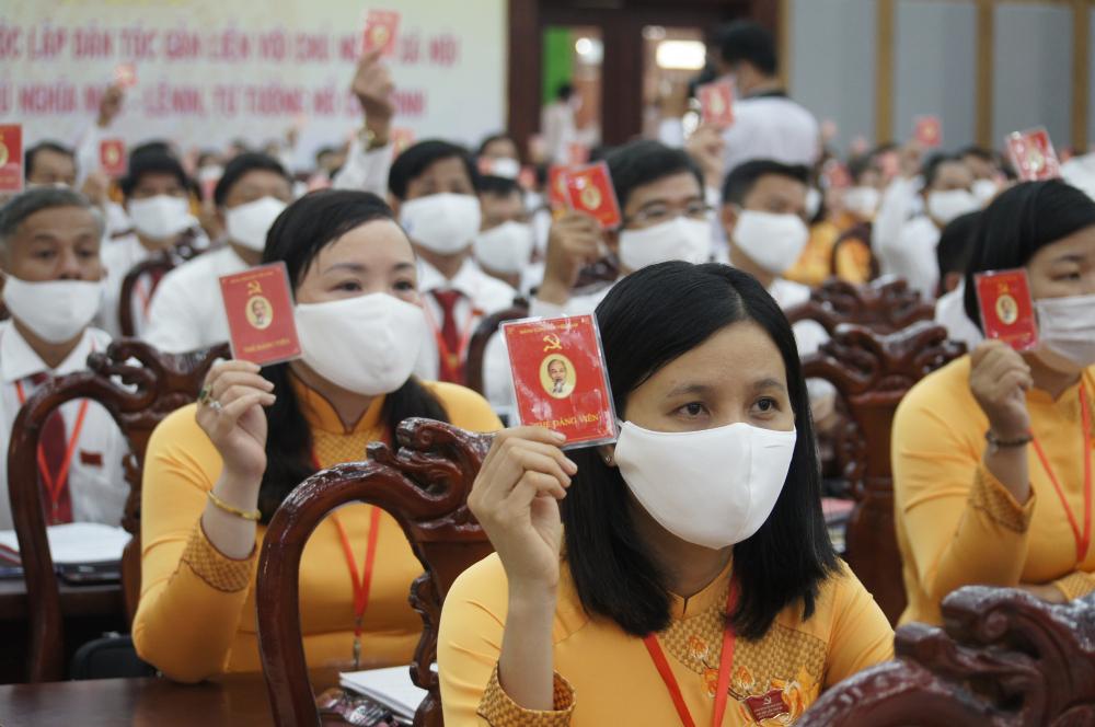 Traong nag2y làm việc chính thức, Đại Hội đã thông qua báo cáo chính trị, kiểm điểm của Ban Chấp hành nhiệm kỳ cũ và bầu Ban chấp hành mới gồm 40  người.