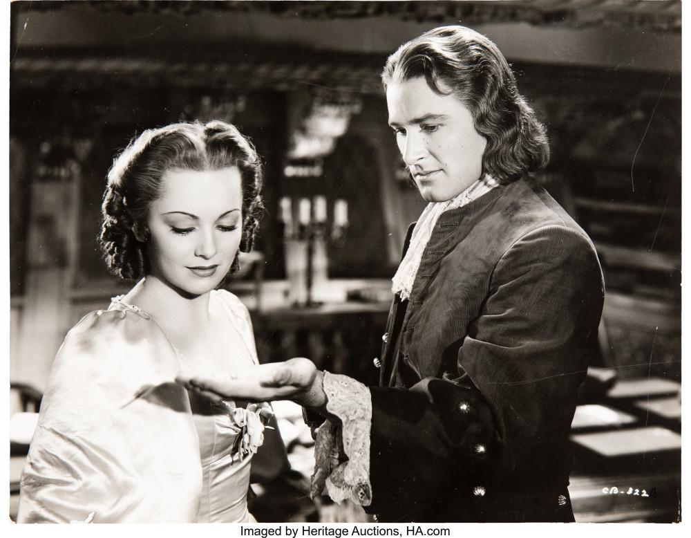 """Olivia de Havilland và Errol Flynn - 2 diễn viên chính trong bộ phim """"Captain Blood"""" (1935) - Ảnh: Heritage Auctions"""