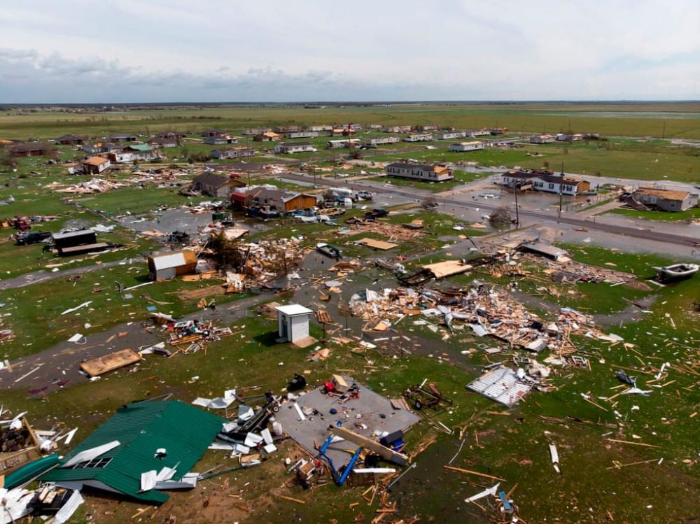 Hình ảnh từ trên không cho thấy thiệt hại cho một khu vực bên ngoài Hồ Charles, Louisiana. (Ảnh: AFP)