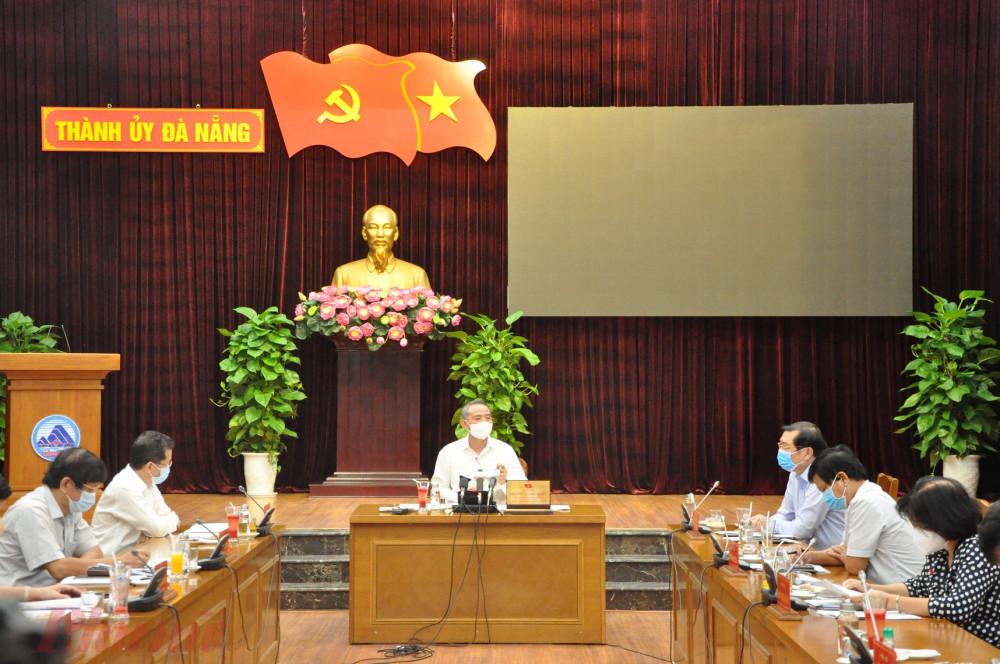 Thành ủy Đà Nẵng thống nhất với nhiệm vụ vừa chống dịch vừa phát triển kinh tế