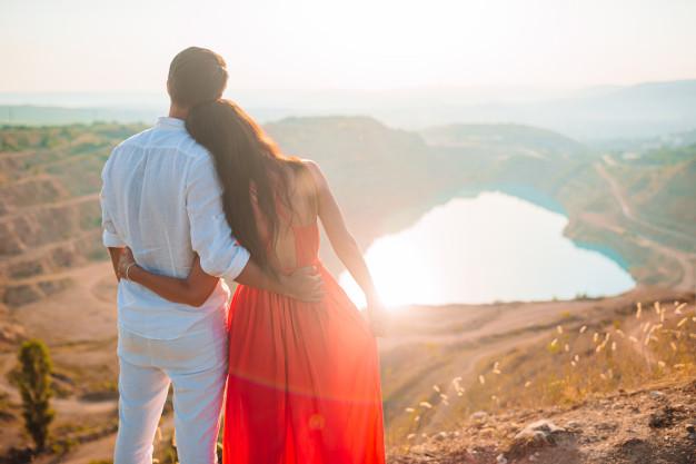 hạnh phúc giản dị bền lâu mới là đích đến của chúng tôi, nhưng đám cưới cũng quan trọng chứ...Ảnh minh họa