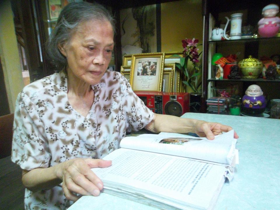 Giáo sư Lê Thi - nữ sinh Đồng Khánh kéo cờ trong giây phút lịch sử 69 năm trước