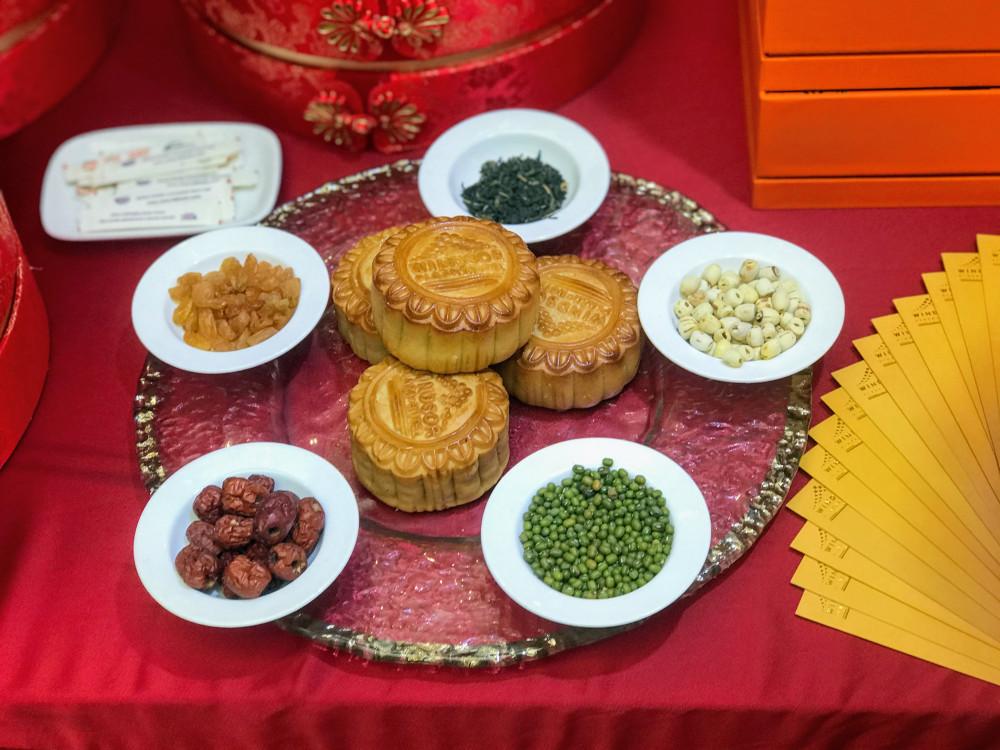 Những đơn vị tham gia triển lãm đều có mẫu bánh dùng thử cho khách.