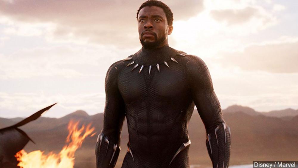 Chadwick Boseman trong phim Black Panther.