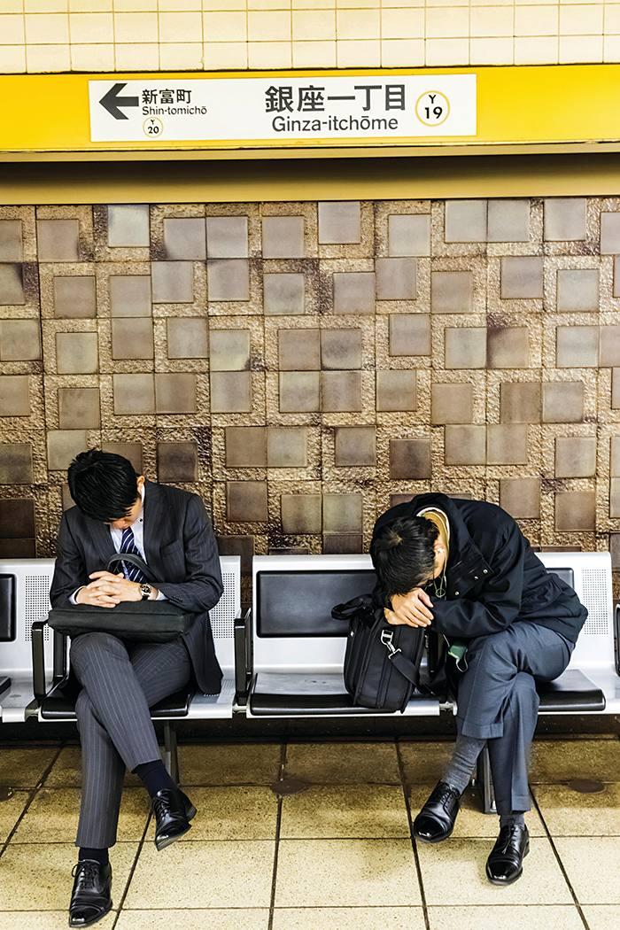 Văn hóa làm việc cho đến chết đã trở thành một sức ép nặng nề lên người lao động ở Nhật Bản - Ảnh: Getty Images
