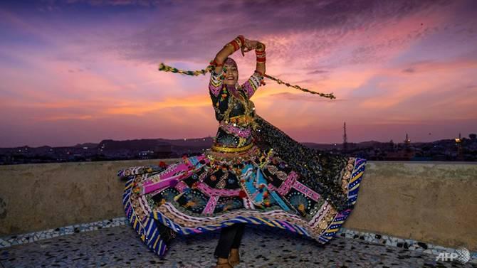Từng kiếm sống bằng việc biểu diễn gắn liền với các hoạt động du lịch nhưng dịch bệnh ập đến khiến nhiều vũ công Kalbelia không kịp trở tay