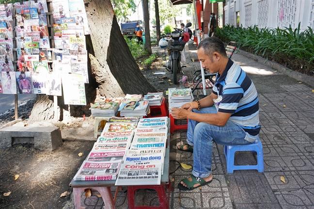 Một sạp báo ở TPHCM