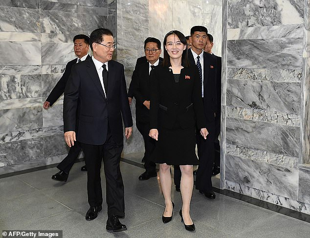 Kim Yo-jong đại diện cho anh trai mình tại một số sự kiện quốc tế, bao gồm cuộc gặp với cố vấn an ninh quốc gia hàng đầu của Hàn Quốc tại Khu phi quân sự (DMZ) vào năm ngoái - Ảnh: AFP/Getty Images