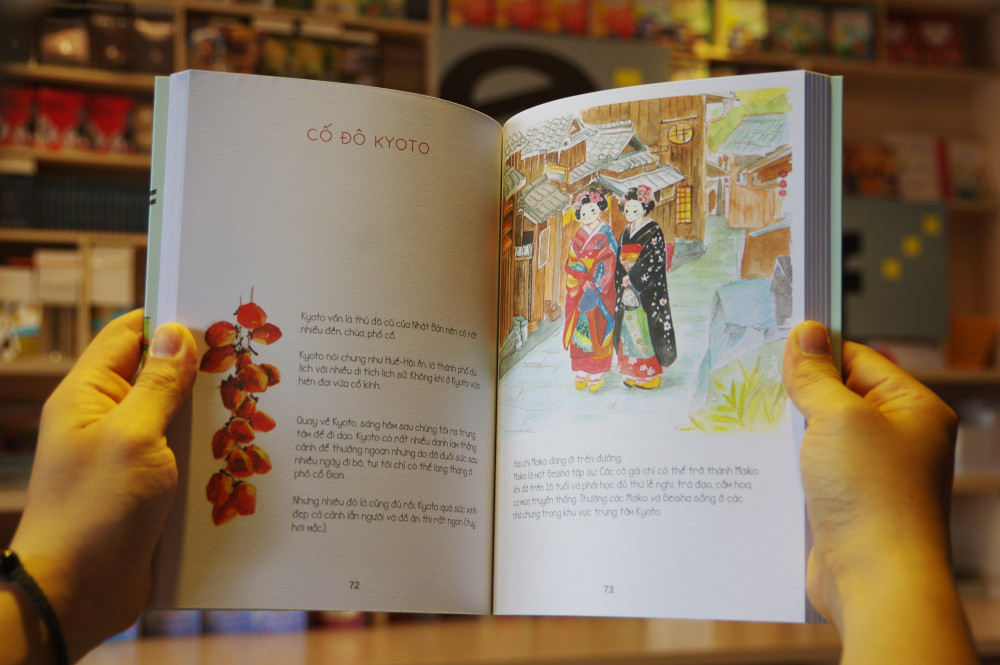 Mỗi địa điểm mà Liên và Quang đã từng đi qua được kể lại bằng tranh vẽ lồng ghép cùng một số câu chuyện.