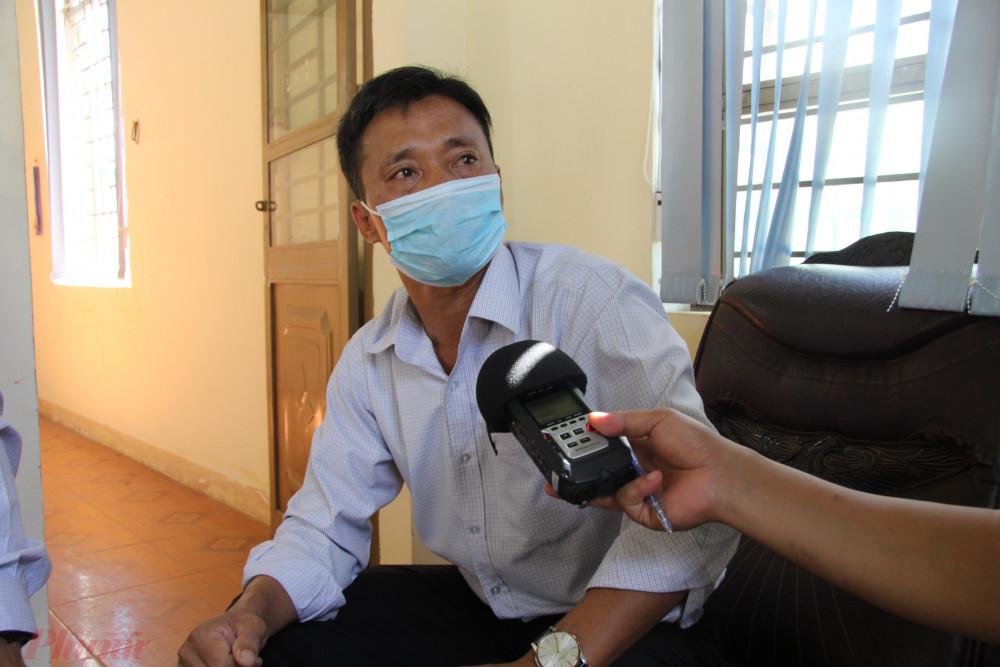 Ông Trần Văn Thanh - Chủ tịch UBND xã Cư Elang khẳng định không có việc đi vận động dân nhường tiền hỗ trợ