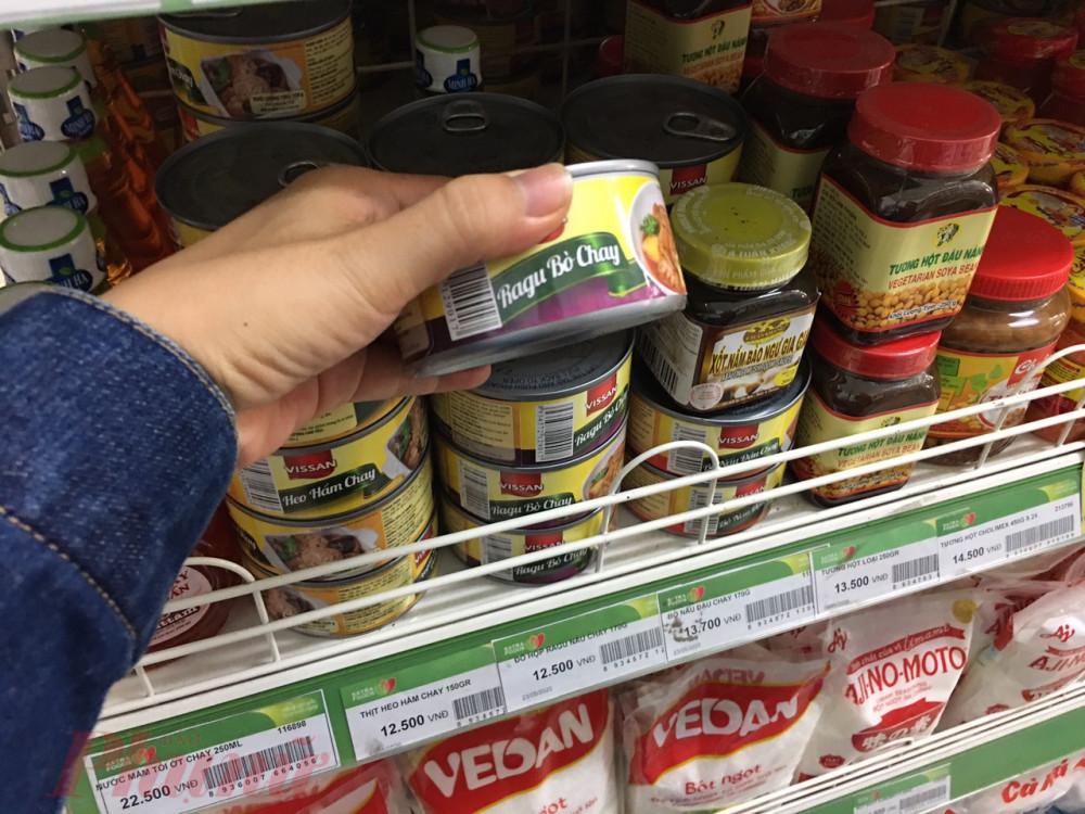 Thị trường có đủ loại thực phẩm chay đóng hộp