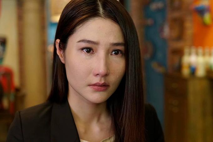 Diễm My diễn tốt những cảnh khóc nhưng về đài từ, cô không thể hiện được trạng thái cảm xúc của nhân vật tốt vì màu giọng không đặc biệt, không nhân nhá.