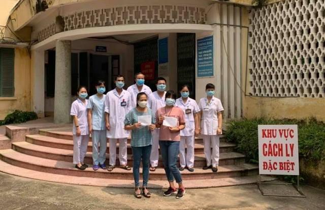 2 bệnh nhân nữ được công bố khỏi bệnh tại BVĐK tỉnh Nam Định sáng 3/9.