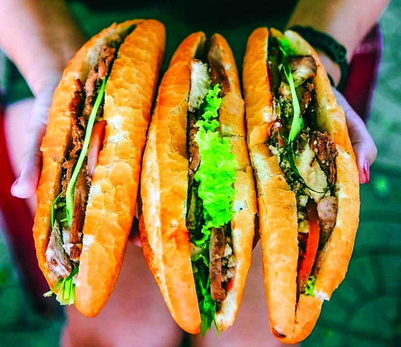 """Bánh mì kẹp thịt từ lâu đã là món ăn """"rặt Sài Gòn"""" Ảnh: Internet"""