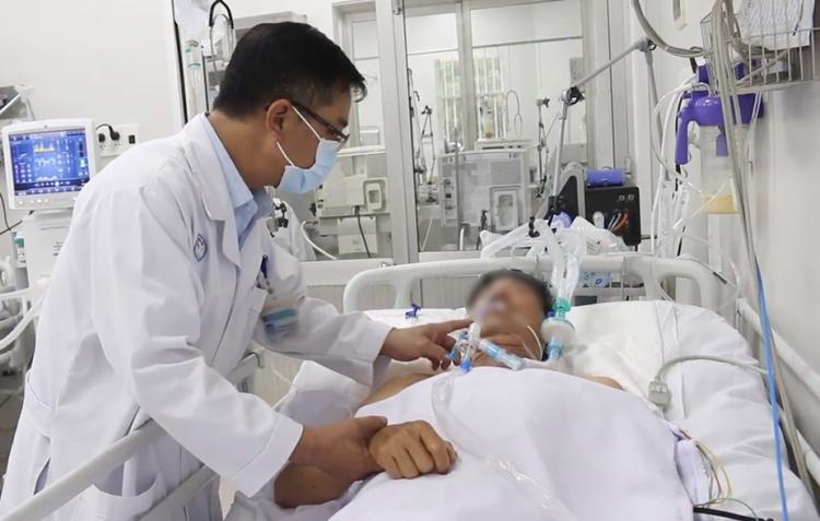 Một bệnh nhân ngộ độc Pate Minh Chay tại Bệnh viện Chợ Rẫy