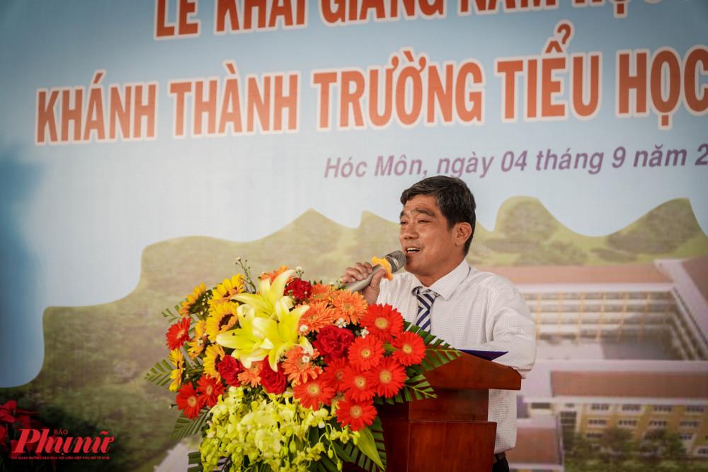 Ông Đỗ Ngọc Thịnh – Hiệu trưởng trường tiểu học Nguyễn An Ninh xúc động chia sẻ tâm tư của mình